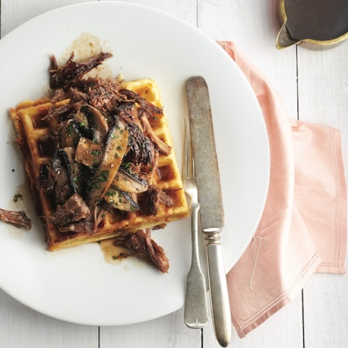 Pomegranate-pulled-pork_smoky-cheddar-waffles